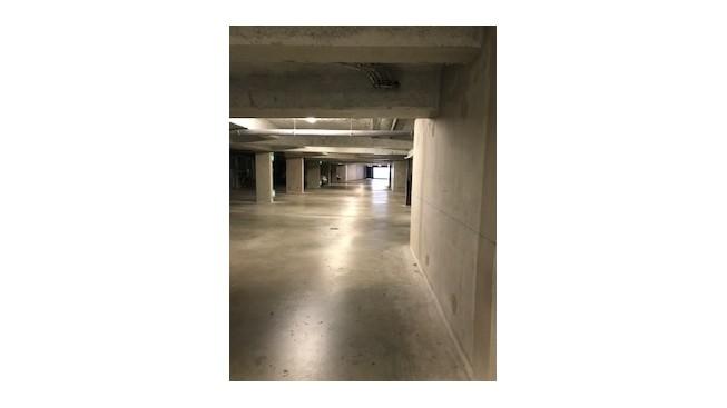 Parking sécurisé en sous sol à 4mn de la place Mellinet